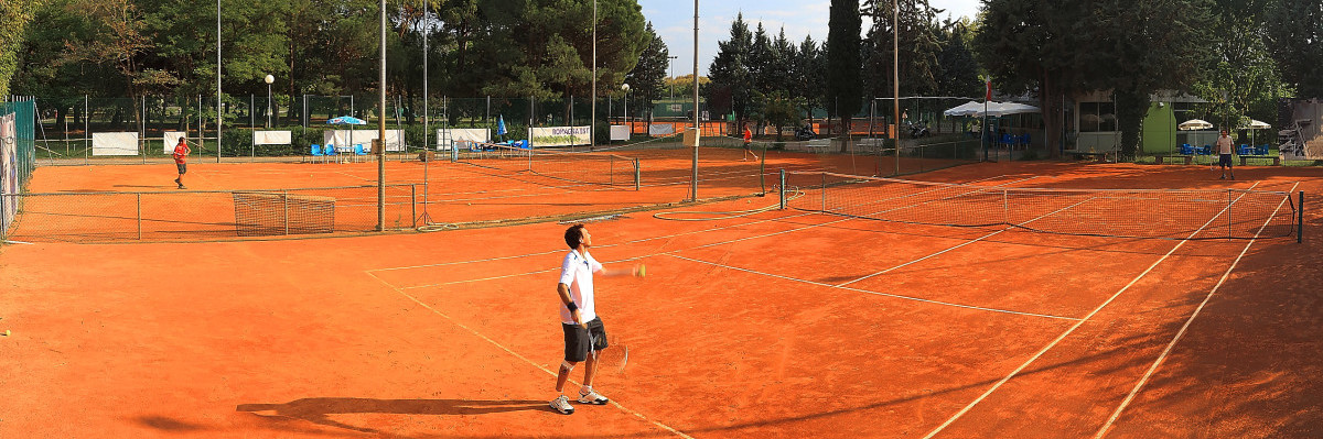 I campi del Circolo Tennis Venustas di Igea Marina