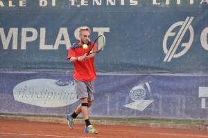 Lorenzo Brunetti in azione sui campi di Massa Lombarda