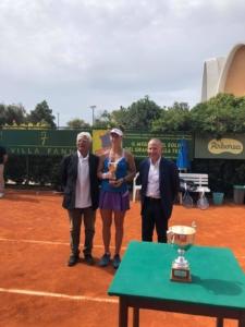 La premiazione di Nicole Fossa Huergo a Cagliari