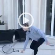 Rafa Nadal gioca con la sorella Maria Isabel