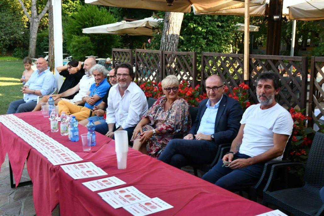 Il tavolo della conferenza stampa al Carpena (foto Fabio Blaco)