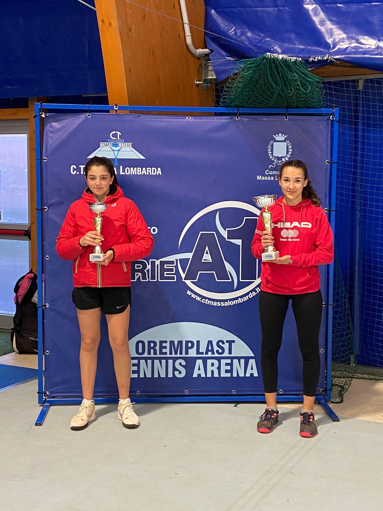 Le-finaliste-del-femminile-da-sinistra-Sveva-Azzurra-Pansica-ed-Anita-Picchi