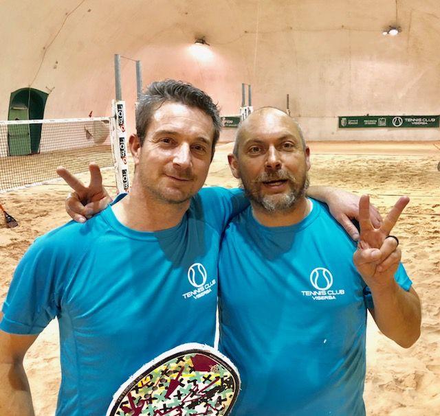 Campionato beach tennis a Viserba: Campedelli-Cavaldoro e Foschi-Bonacorsi dettano legge nei loro gironi