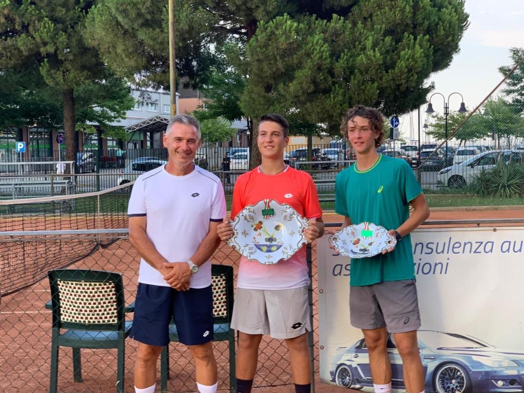Trofeo So.Na.D.: Cesare Guiotto con i finalisti del torneo maschile