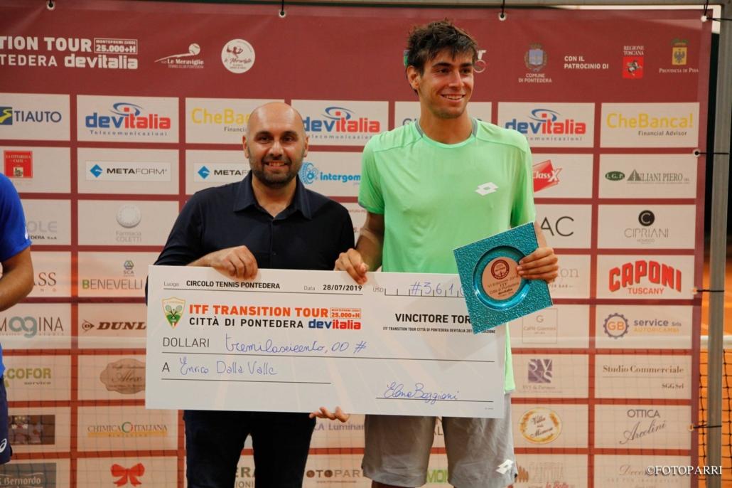 La premiazione di Enrico Dalla Valle a Pontedera