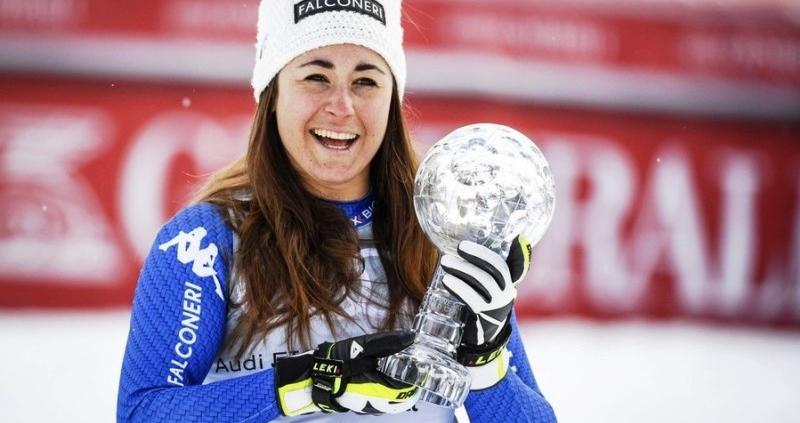 Sofia Goggia con la Coppa di Cristallo