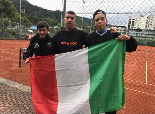 Il tecnico Mattia Amadori a Kufstein con Fabio Leonardi e Claudio Celaj