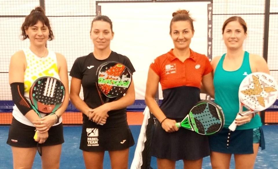 Circuito SideSpin, tappa Padel Club Riccione: le finaliste del doppio femminile (da sx) Canestrari-Bernardi e Agosti-Dal Sal