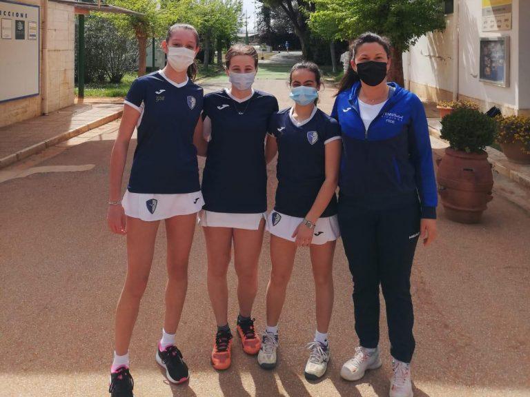 La squadra Under 16 femminile del Tc Riccione