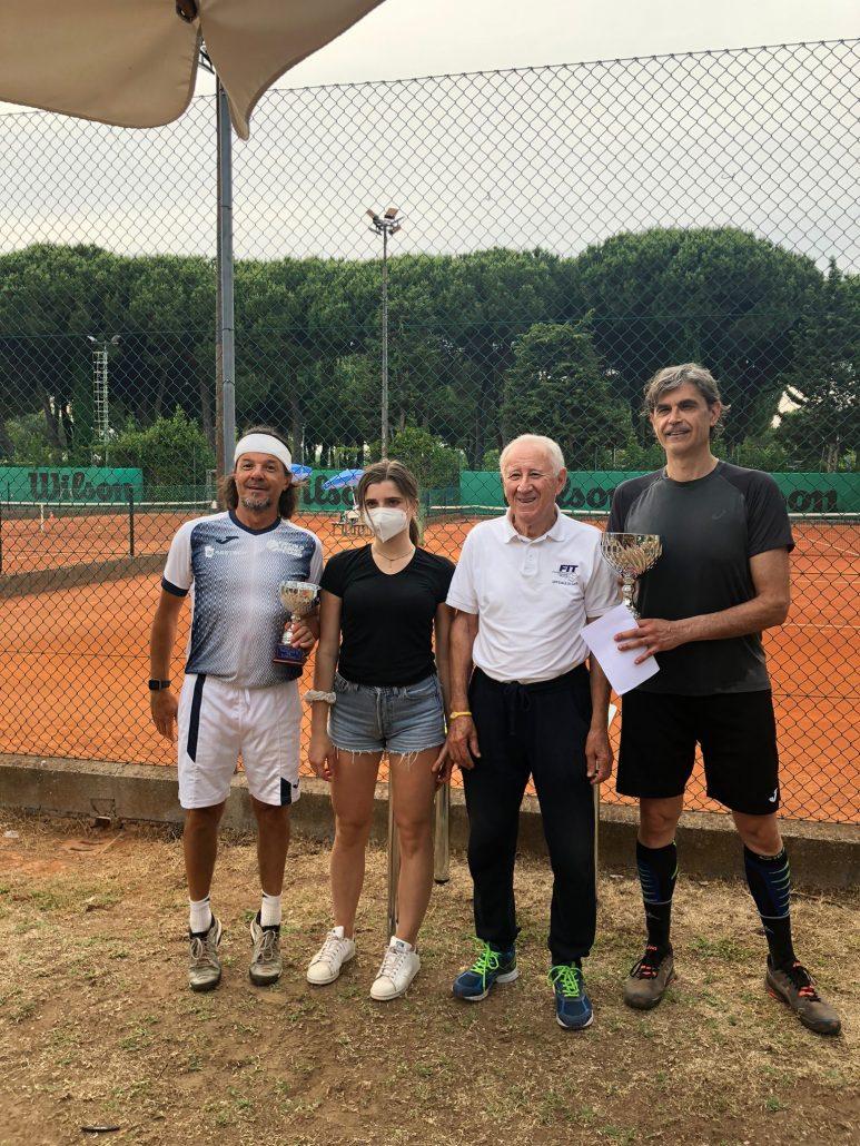 Enrico Costanzi e Riccardo Montanari si aggiudicano il torneo Veterani del Ten Pinarella