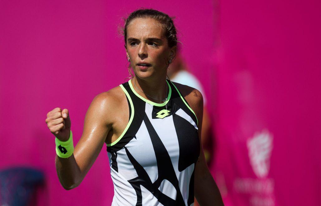 WTA Portorose: Bronzetti si divora la… Pera e vola nei quarti