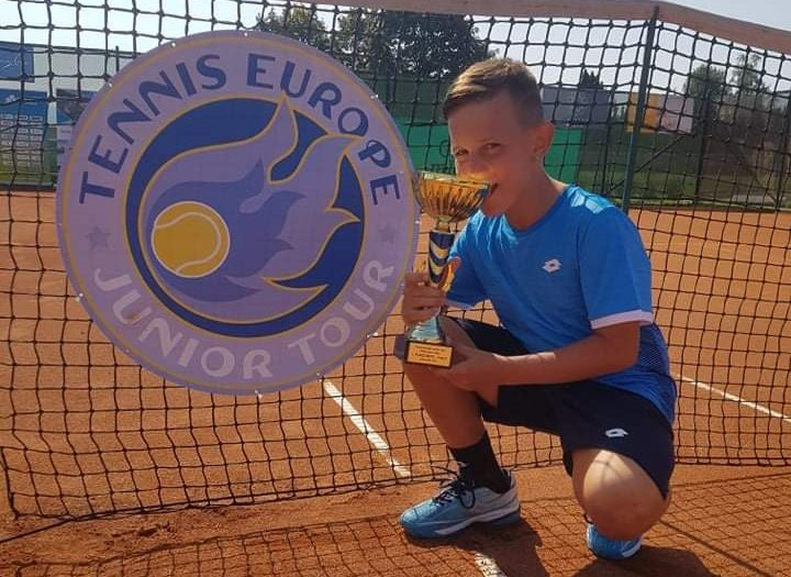 Dennis Spircu trionfa nel Tennis Europe under 12 di Krsko